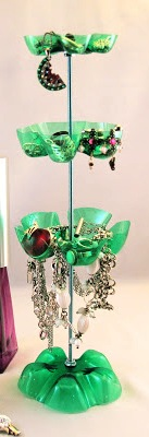 recyvěci, stojan na šperky, jak vyrobit stojan na šperky, šperkovnice, PET láhev, recyklace