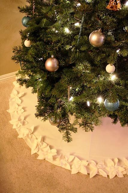 Скатерть под елку, как сделать скатерть под деревом vánošní