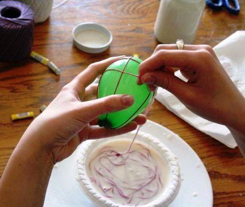 vejce z provázká, oplétané vejce, provázkové vejce, vejce bavlky, velikonoční vejce, velikonoční dekorace, barevné vajíčka