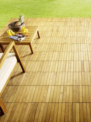 Dřevěné dlaždice na terasu